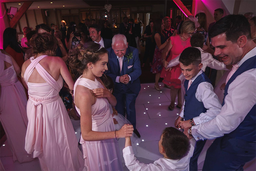 Alternative first dance ideas - Family dance