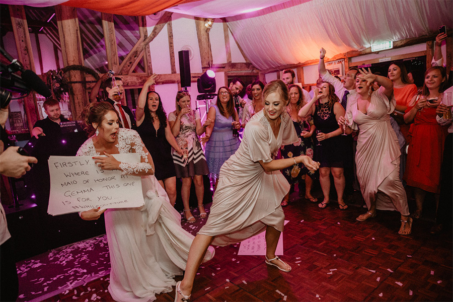 Alternative first dance ideas - Flash mob