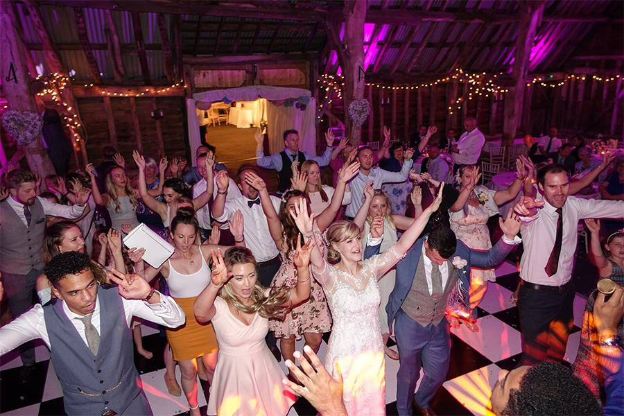 Alternative first dance ideas - Party