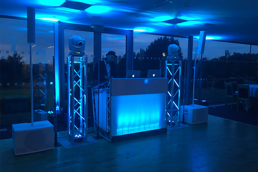 Modern DJ booth with bare pillars | JN Sounds